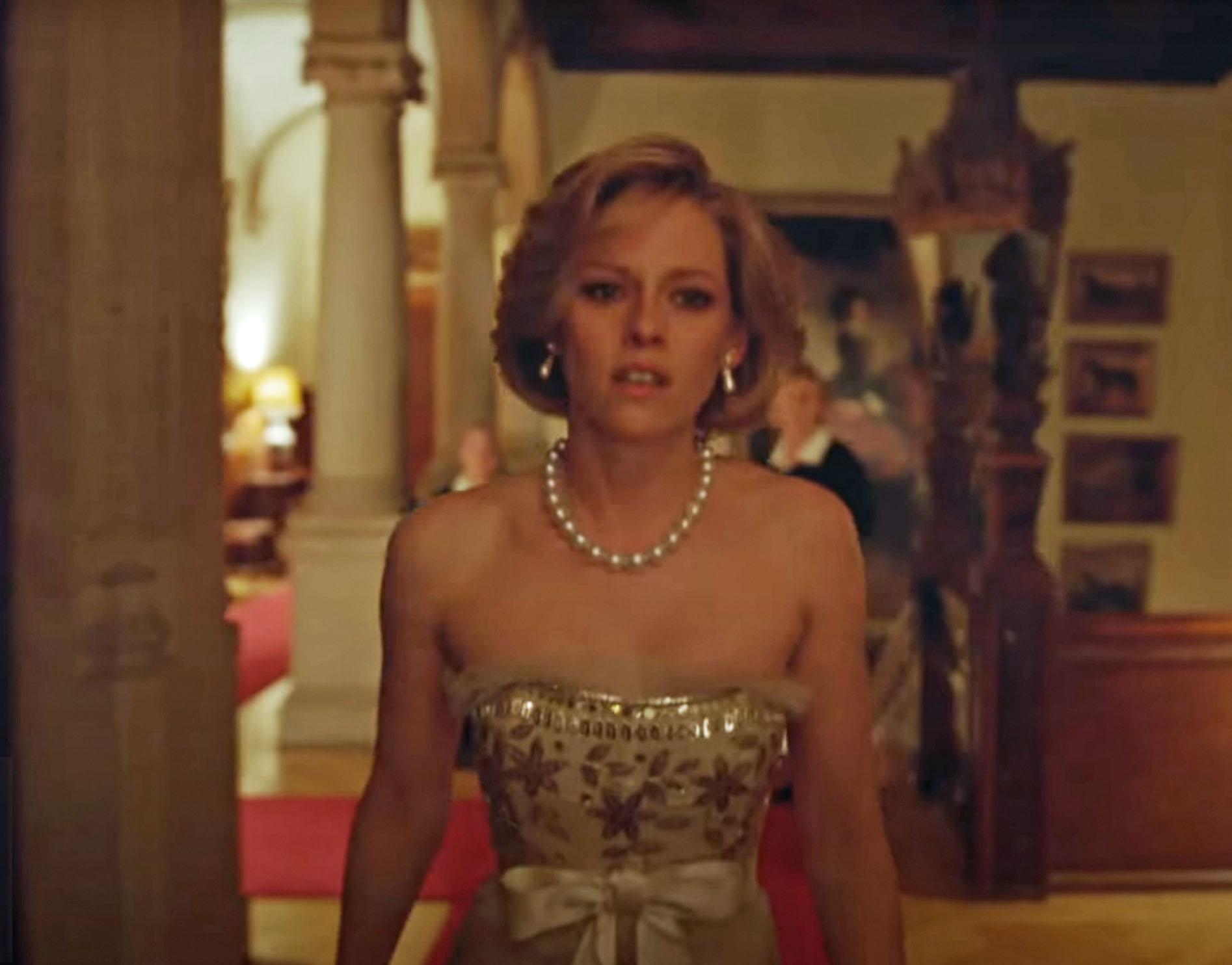 Kristen Stewart som prinsesse Diana alias Diana Frances Spencer (Neon)