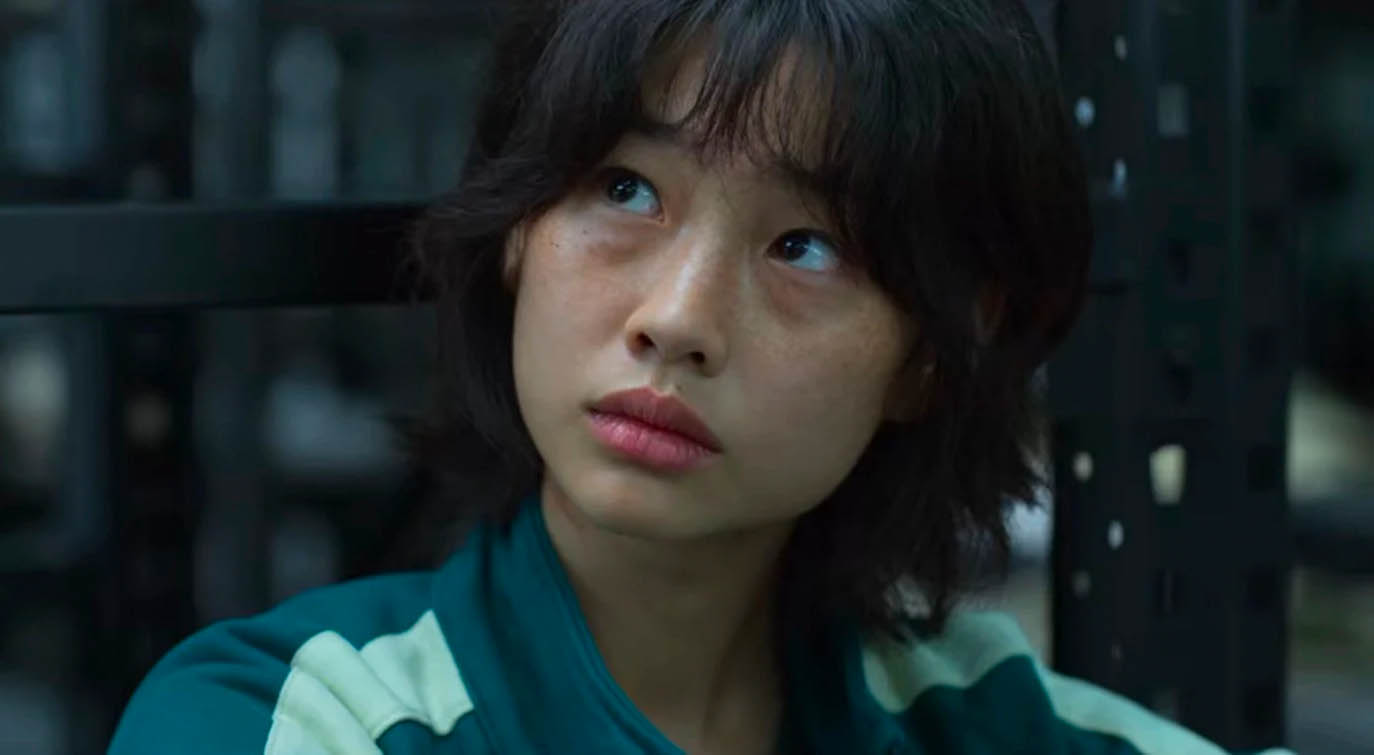 Player 067: HoYeon Jung som Kang Sae-byeok i Squid Game (Netflix)