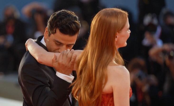 Oscar Isaac og Jessica Chastain på filmfestivalen i Venezia (Edward Berthelot/Getty)