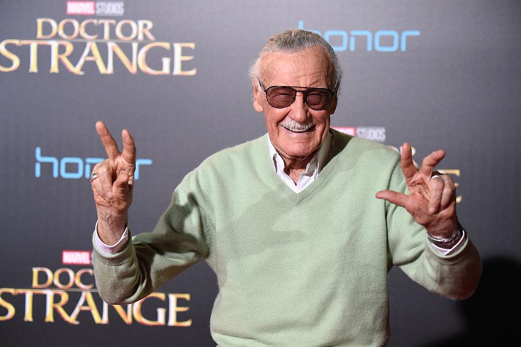 Stan Lee startet som assistent hos Marvel i 1939, for så å bli deres mest kjente redaktør. Han var dog ikke eier av selskapet og karakterene. Her er Stan Lee på premieren til Disney/Marvel-filmen Doctor Strange i Hollywood i 2016 (Frazer Harrison/Getty)