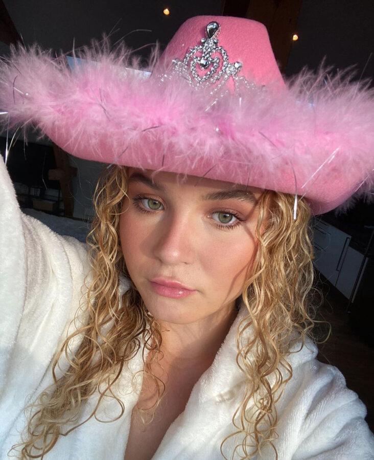 Kliss ny norsk musikk fra blant andre Emma Steinbakken (Instagram/emmasteinbakken)