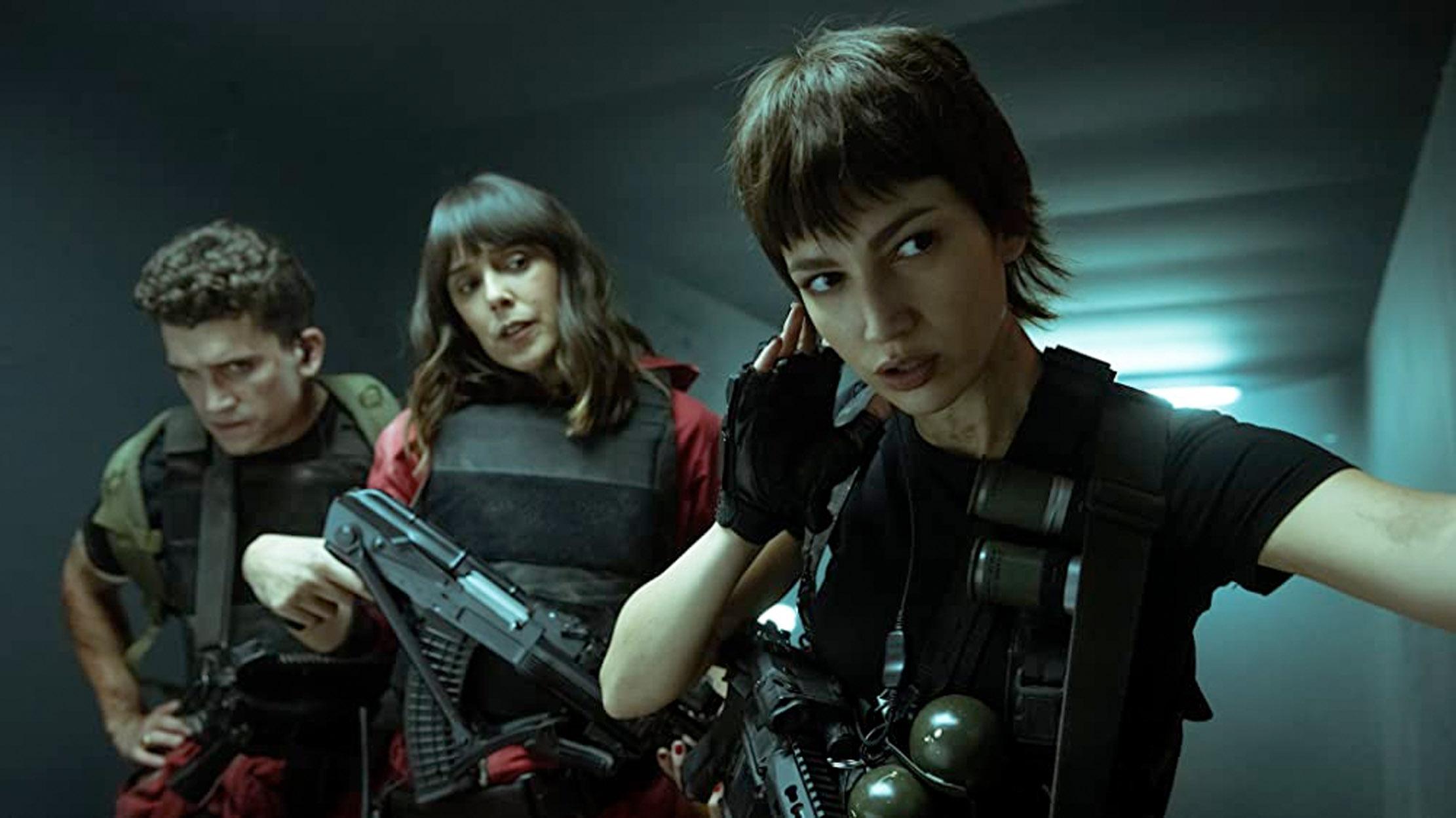Úrsula Corberó, Belén Cuesta, Jaime Lorente (Netflix)