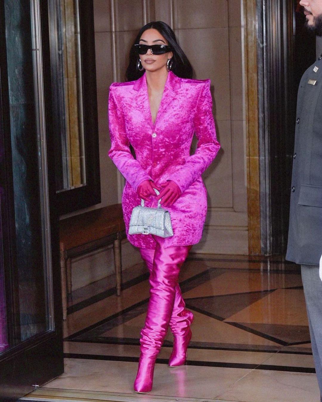 Kim K påvei til SNL (Instagram/kimkardashian)