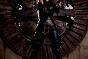 SIENNA MILLER SOM THE BARONESS (PARAMOUNT PICTURES)