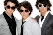 JONAS BROTHERS (HOLLYWOOD/UNIVERSAL)