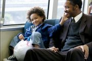 JADE «KARATE KID» SMITH MED WILL I PURSUIT OF HAPPYNESS (COLUMBIA PICTURES)