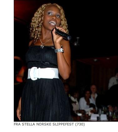 Stella Mwangis private MMS-bilder. Her fra Kenya.