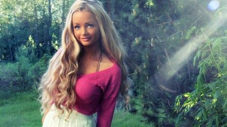 b578fff6 Rosablogger Sophie Elise (18): - Jeg er ikke for ung for FHM - 730.no