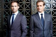 HEISANN: PATRICK J. ADAMS SOM MIKE, GABRIEL MACHT SOM HARVEY (USA)