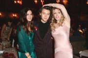 LANA DEL REY, HARRY STYLES OG SKRULLEMOR COURNTEY LOVE PÅ BRITISH FASHION AWARDS I GÅR KVELD (INSTAGRAM)