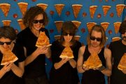 16-ÅRINGEN GIR UT MACAULAY CULKINS BAND THE PIZZA UNDERGROUND (THEPIZZAUNDERGROUND.TUMBLR.COM)