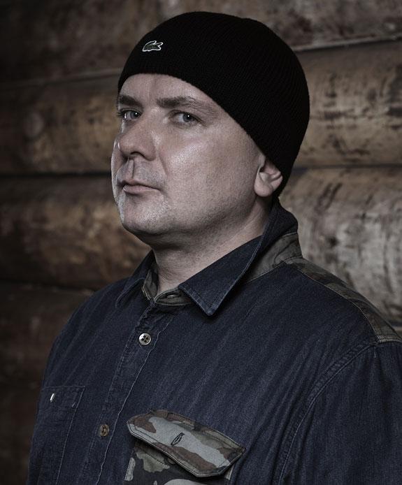 GROWN-ASS NORSK RAPPER (RUNE BENDIKSEN)