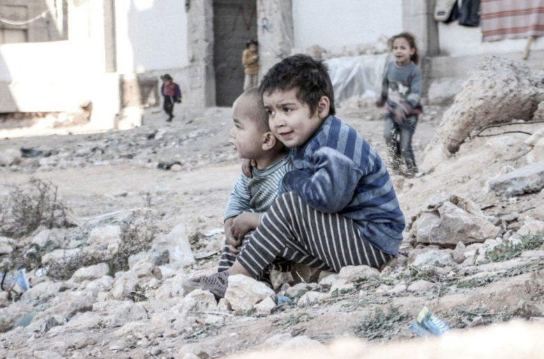 ESRAA (4) OG LILLEBROREN WALEED (3) I ALEPPO (UNICEF)