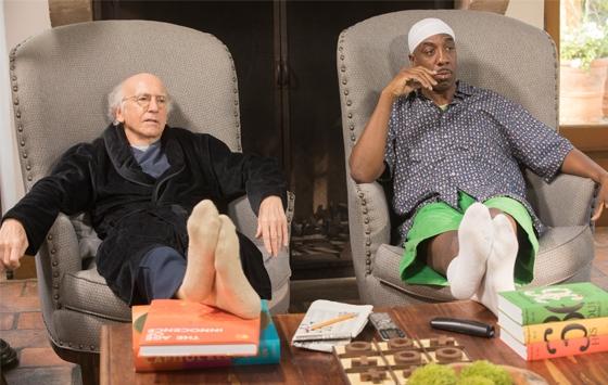 LARRY DAVID FINNER STADIG TING Å IRRITERE SEG OVER. MEN ER DET FORTSATT MORSOMT? (HBO)
